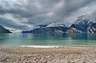 Gardasee mit Wolken