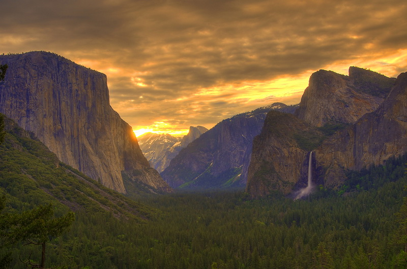 Morgengrauen beim Tunnel View und Inspiration Point